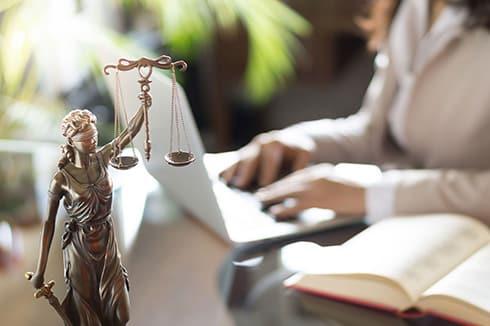 Symbolbild Webdesign für Anwälte